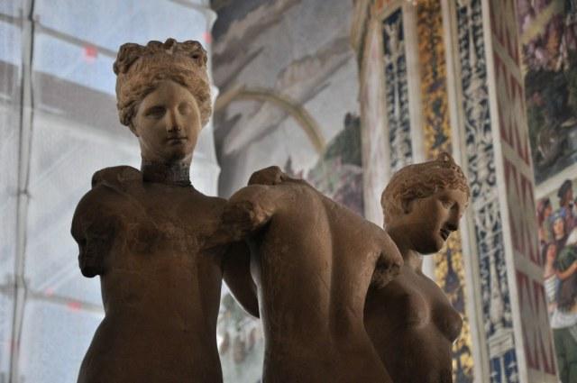 Die drei Grazien in der Bibliothek des Siener Doms (c) Foto von M.Fanke
