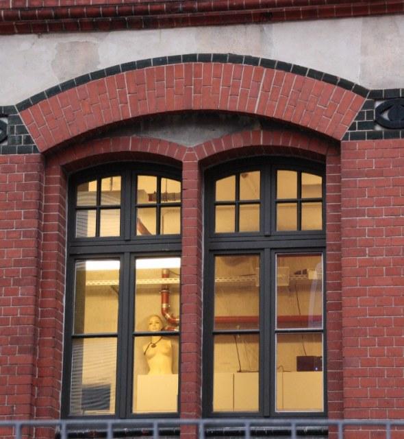 Durch das Fenster (c) Foto von Susanne Haun