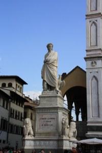 Dante-Denkmal auf der Piazza Santa Croce in Florenz, Enrico Pazzi (1865) (c) Foto von Susanne Haun