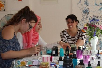 Claudia Jahnke (l) engagiert sich aktiv bei swaf (c) Foto von Susanne Haun
