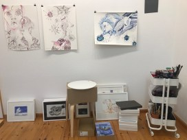 Atelieransicht, Der geflügelte Löwe, Tusche auf Aquarellkarton, 65 x 50 cm, Zeichnung von Susanne Haun (c) VG Bild-Kunst, Bonn 2020