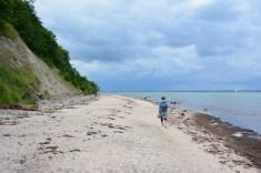 Künstlerin Kerstin Mempel an der Küste Kiel (c) Foto von M.Fanke
