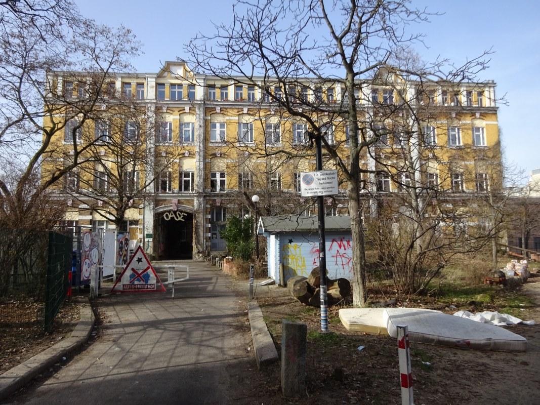 Weddingspaziergang, Hutfabrik, Foto von Susanne Haun (c) VG Bild-Kunst, Bonn 2021