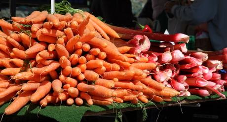 Karotten und Rhabarber
