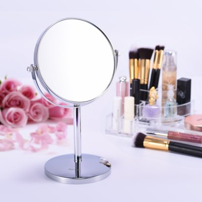 Magnifying mirror offers 5x magnification. A dorm room essential!