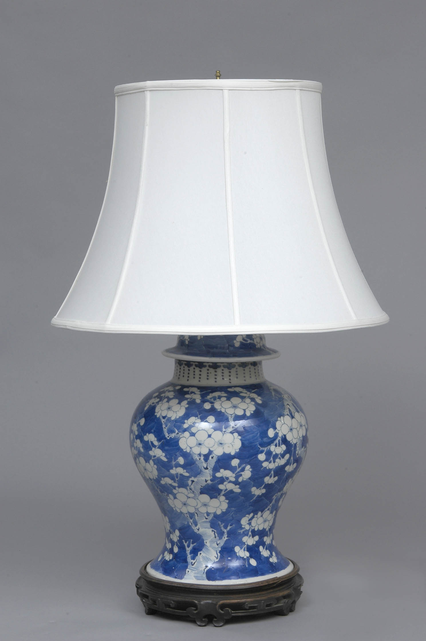 Chinese Antique Blue  White Lamp