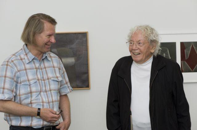 Museum director Peter Fischer with artist Hans Erni, who is 100.