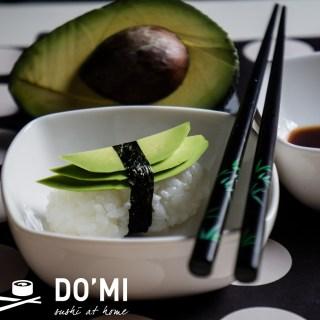 Warto jeść sushi z awokado
