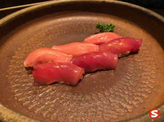 toro (fatty tuna belly), maguru (tuna back) nigiri