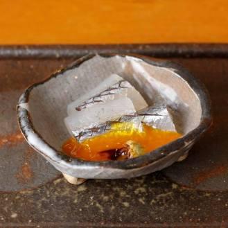 サヨリ昆布じめ 卵黄和え