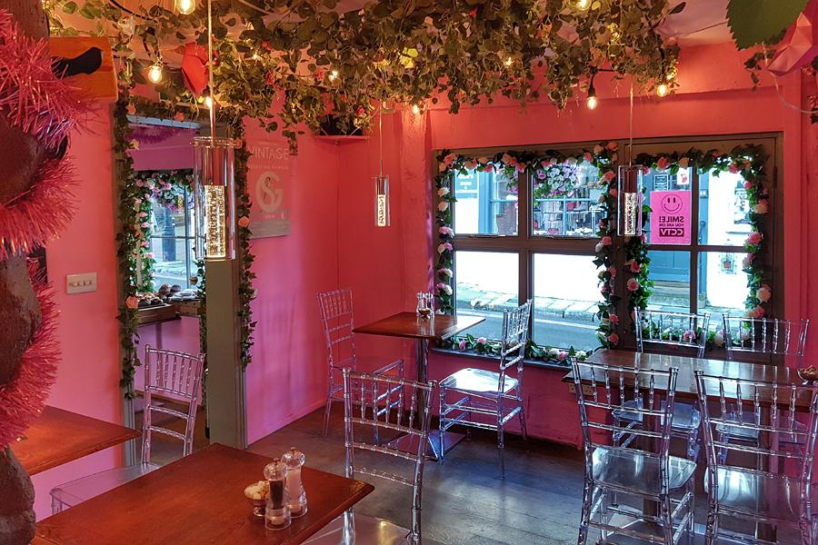 LG Cafe, Tarrant Street, Arundel