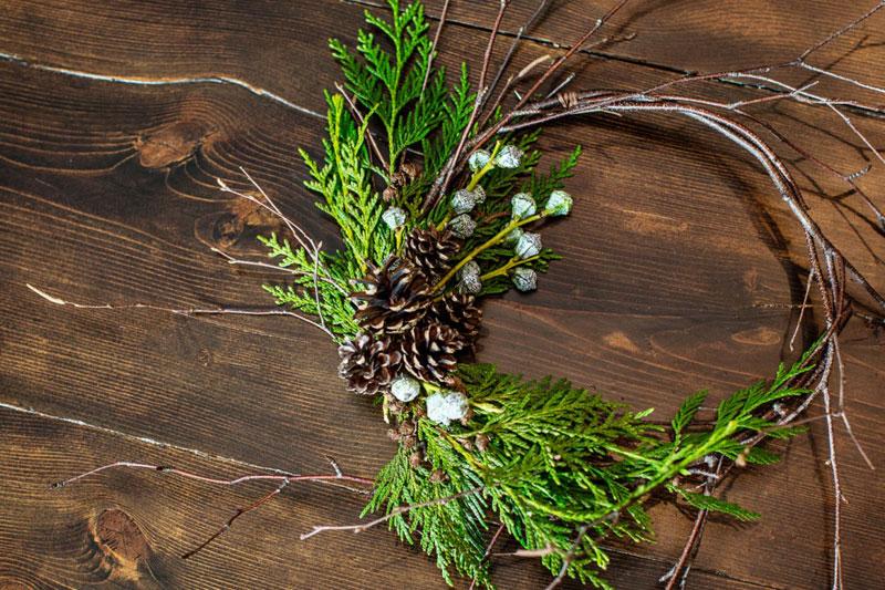Locke-Taylor-Magazine_wreath