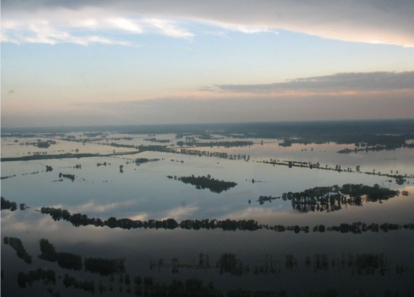 above-ground view of water with very little ground demonstrating flooding in Iowa in 2011