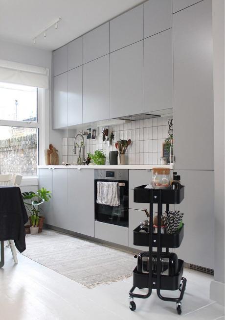 jendela-dapur-minimalis-yang-bernuansa-sejuk