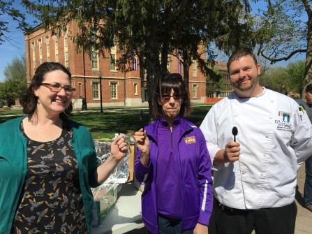 The three judges Debbie Steinberg, Teresa Amott, and Jason Crouch ready to taste the cookies! (Image courtesy of Debbie Steinberg)