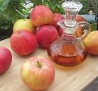 Making homemade fruit vinegar