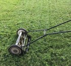 Sustainable mowing methods for the lawn