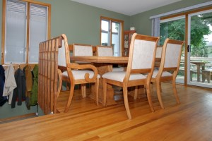 staging your home dining room after