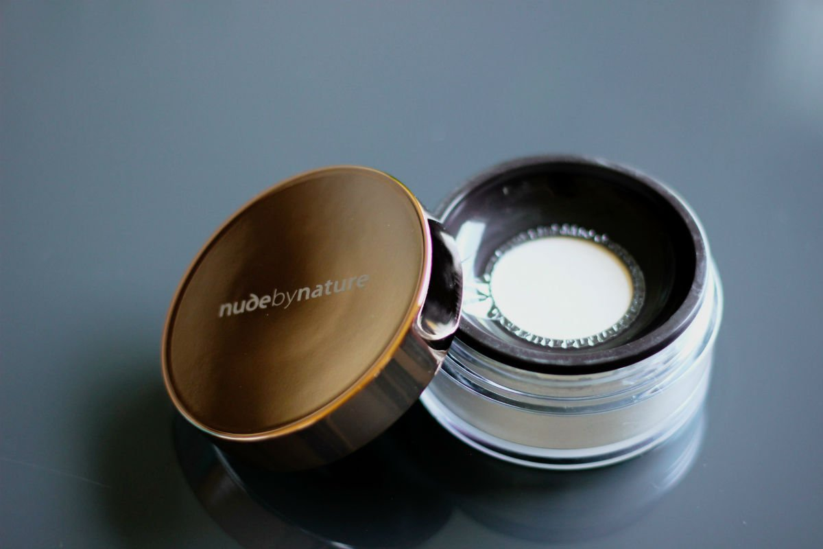 Nude by Nature Translucent Finishing Powder Review