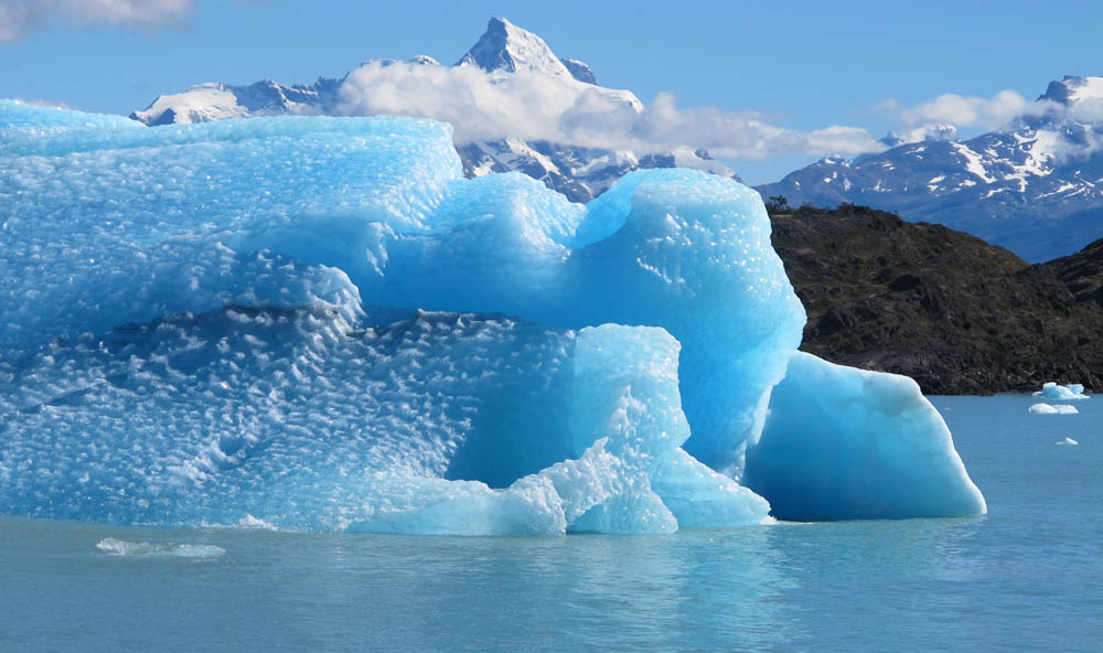 Ice Displaces Water, So Melting Ice Won't Cause Oceans to Rise