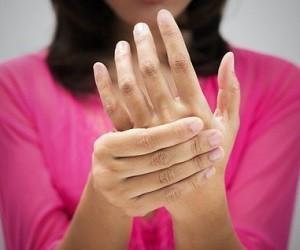 Скованность суставов по утрам: симптомы какой болезни утренняя скованность суставов, лечение боли и скованности мышц всего тела