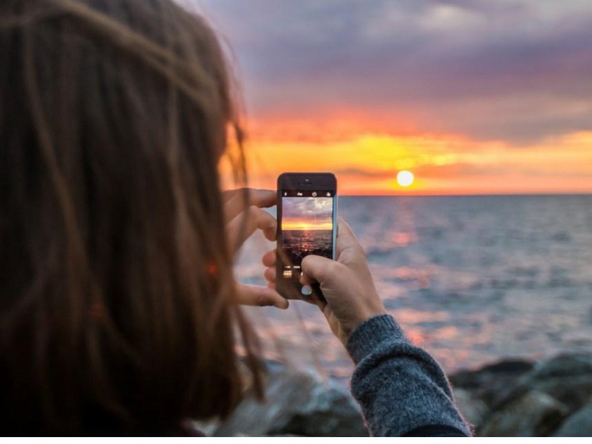 phone-user-photo