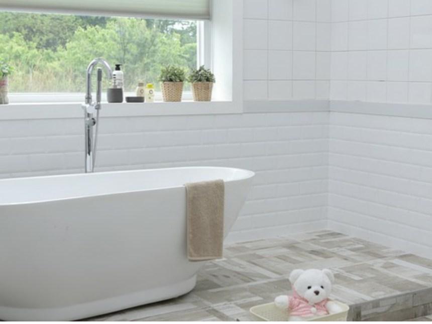 Bathroom (1).jpg