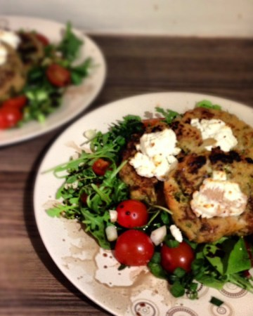 Risotto Cakes with Goat's Cheese Salad   Susty Meals