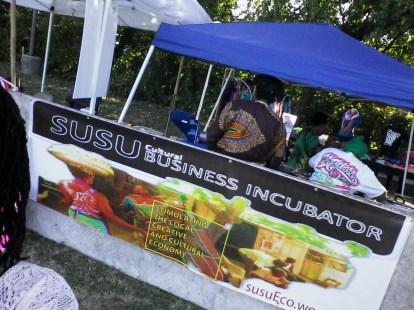 Susu Banner on Left Entry