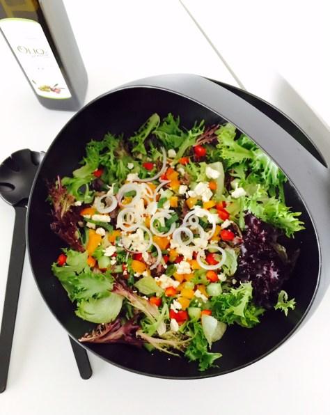 Ninan lempisalaatti on feta-salaatti
