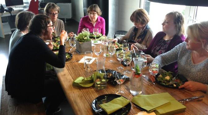 Salaattibuffet – Slow Food kylässä