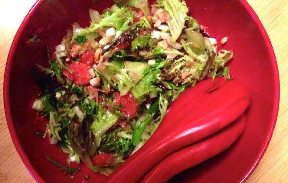 Salaatti nro 55 – Mixi-verigreippi-varsiselleri-pähkinäsalaatti