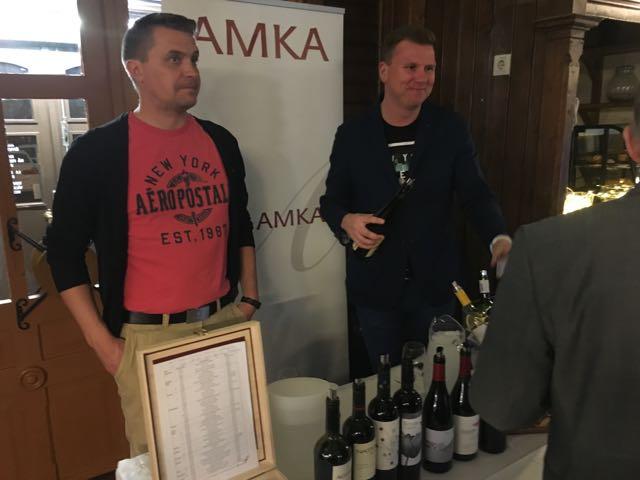 Viinimaahantuojat kertoivat viineistä..jpg