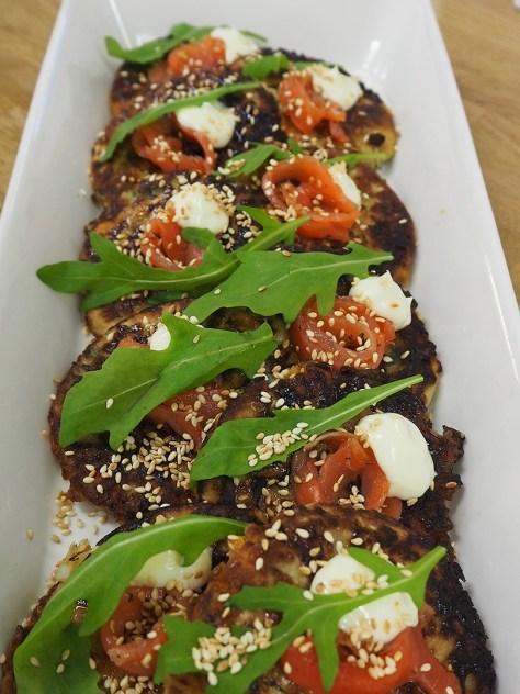 Valmiit Okonomiyakit.
