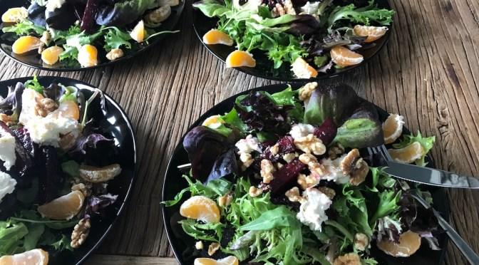 Paahdettu punajuuri-mandariini salaatti