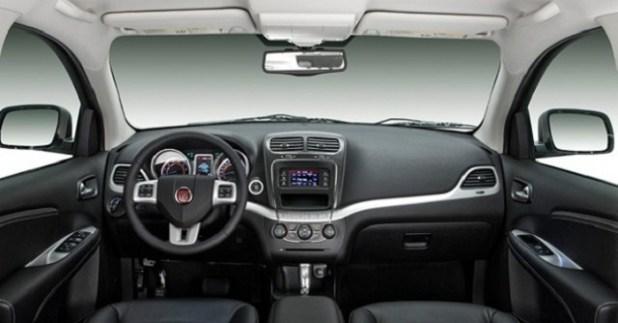 2018 Fiat Freemont interior