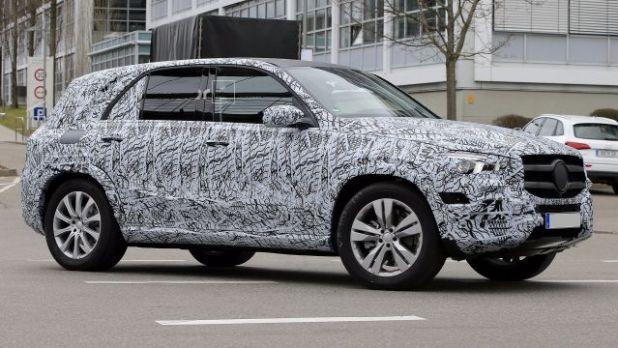 2019 Mercedes-Benz GLE side