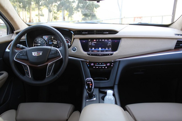 2019 cadillac xt4 interior - 2019 and 2020 New SUV Models