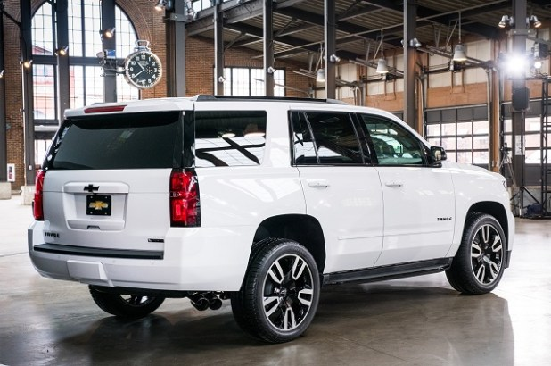 2019-chevy-tahoe-rear-view