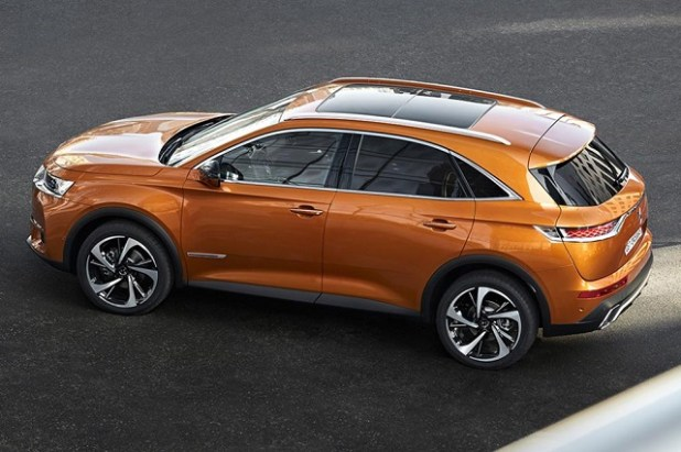 2018 DS7 Crossback SUV side view