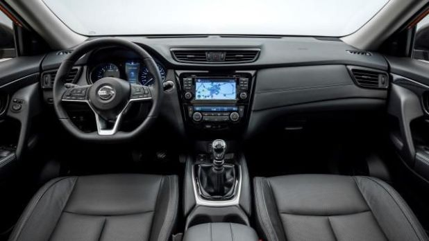 2018 Nissan X-Trail interior view