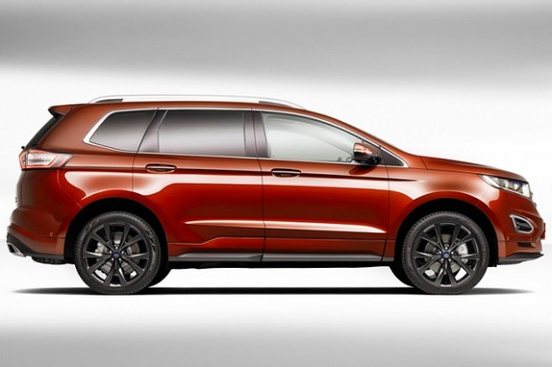2019 Ford Edge side view