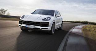 2019 Porsche Cayenne Turbo front view