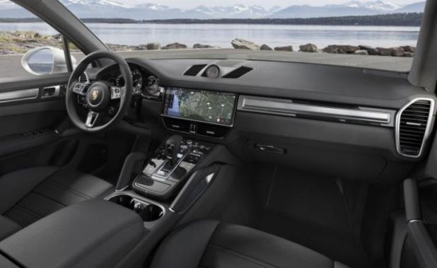 2019 Porsche Cayenne Turbo interior view