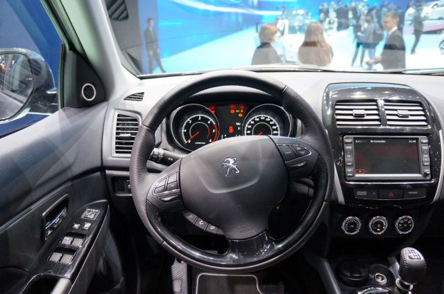 2018 Peugeot 4008 interior - 2019 and 2020 New SUV Models