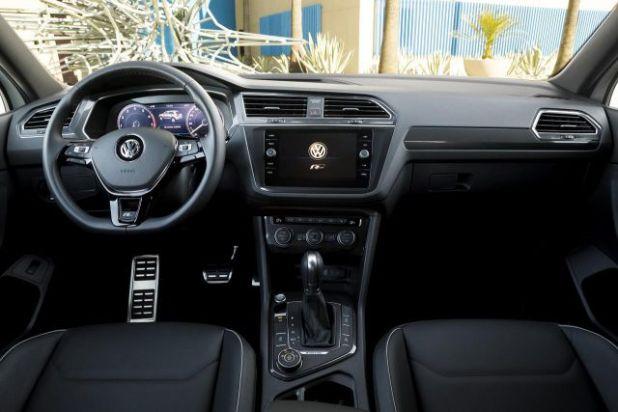 2018 VW Tiguan R Line interior view