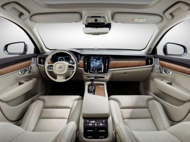 2018 Volvo XC 90 T8 Hybrid interior