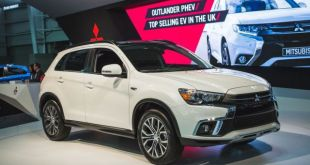 2019 Mitsubishi Outlander Sport front