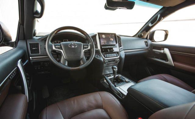 2019 Toyota Land Cruiser Prado interior - 2020, 2021 and ...