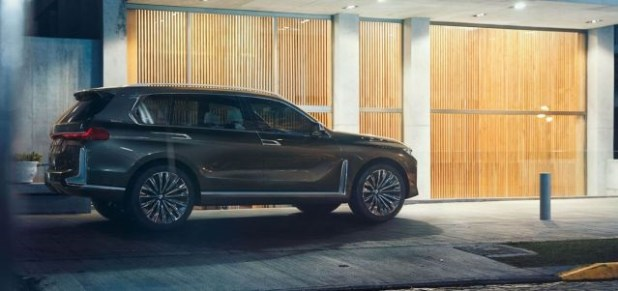 2019 bmw fuel cell suv side view